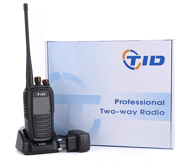 TD-Q8 long range handheld 8w vhf uhf two way transceiver fm radio set 7w