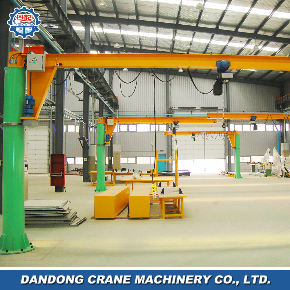 tight dimensions 360 degree rotation random operating small tonnage pedestal crane