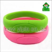 Alibaba top selling mini bracelet USB flash drive silicone disk