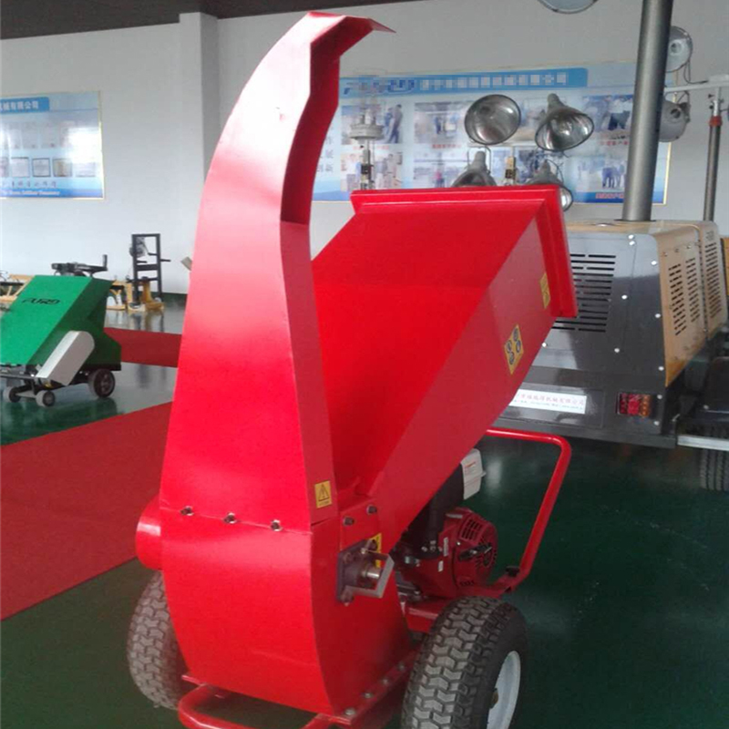 House garden use movable cheap wood chipper with HONDA Motor