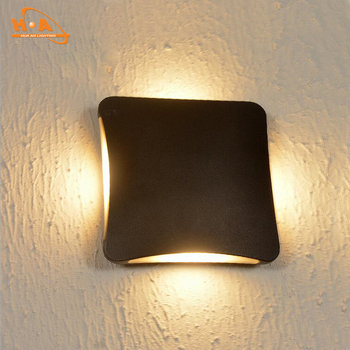 Square Surface Mounted Ip65 Led Outdoor Wall Light 4 Side Lights