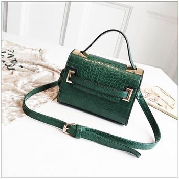 Korean Style Ladies Fashion Crocodile Mini Handbags Women Easy Carry  Crossbody Bags Wholesale 79e525d0a86e9