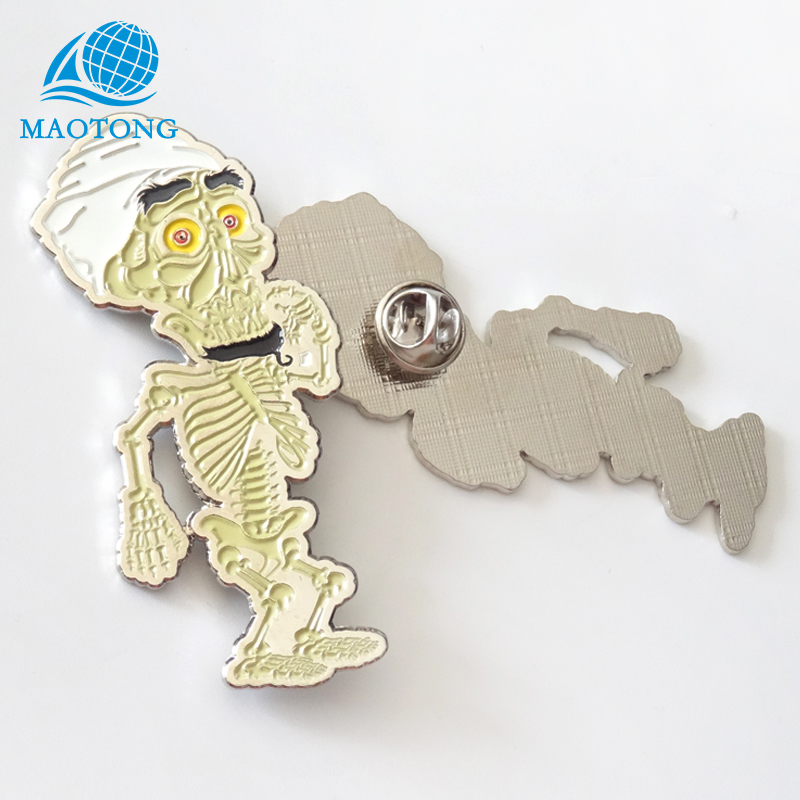 Die casting cheap wholesale souvenir <strong>custom</strong> funny soft enamel silver <strong>metal</strong> <strong>badge</strong>