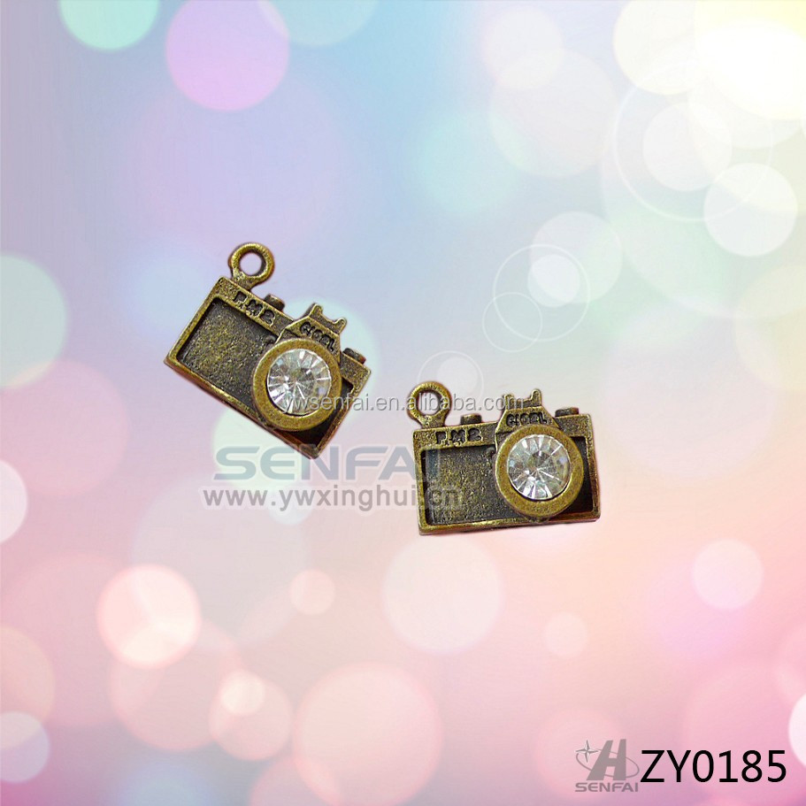 best selling hot chinese products zinc alloy bronze camera pendant