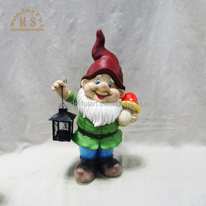 Wholesale garden gnome Magnesia dwarf statue with a lantern in hand .jpg