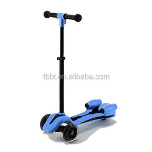 HANGZHOU 2018 new design Cheap Most Popular Spray Jet Electric Kick Scooter With 3 Flashing Wheel for Kids