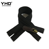 Close end no. 5 black nylon garment elastic zipper with leather puller for pants pockets