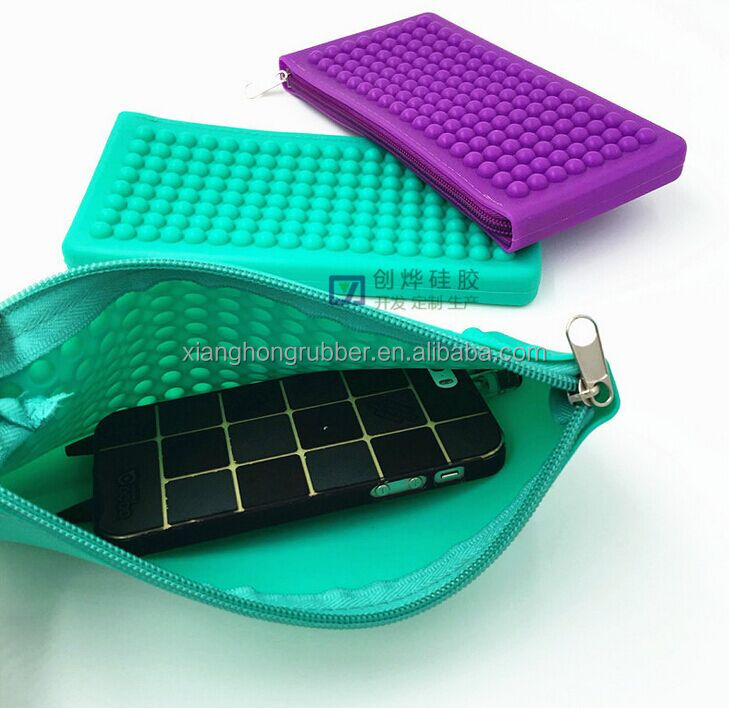 new fashion colorful waterproof hot sell woman silicone zipper bag