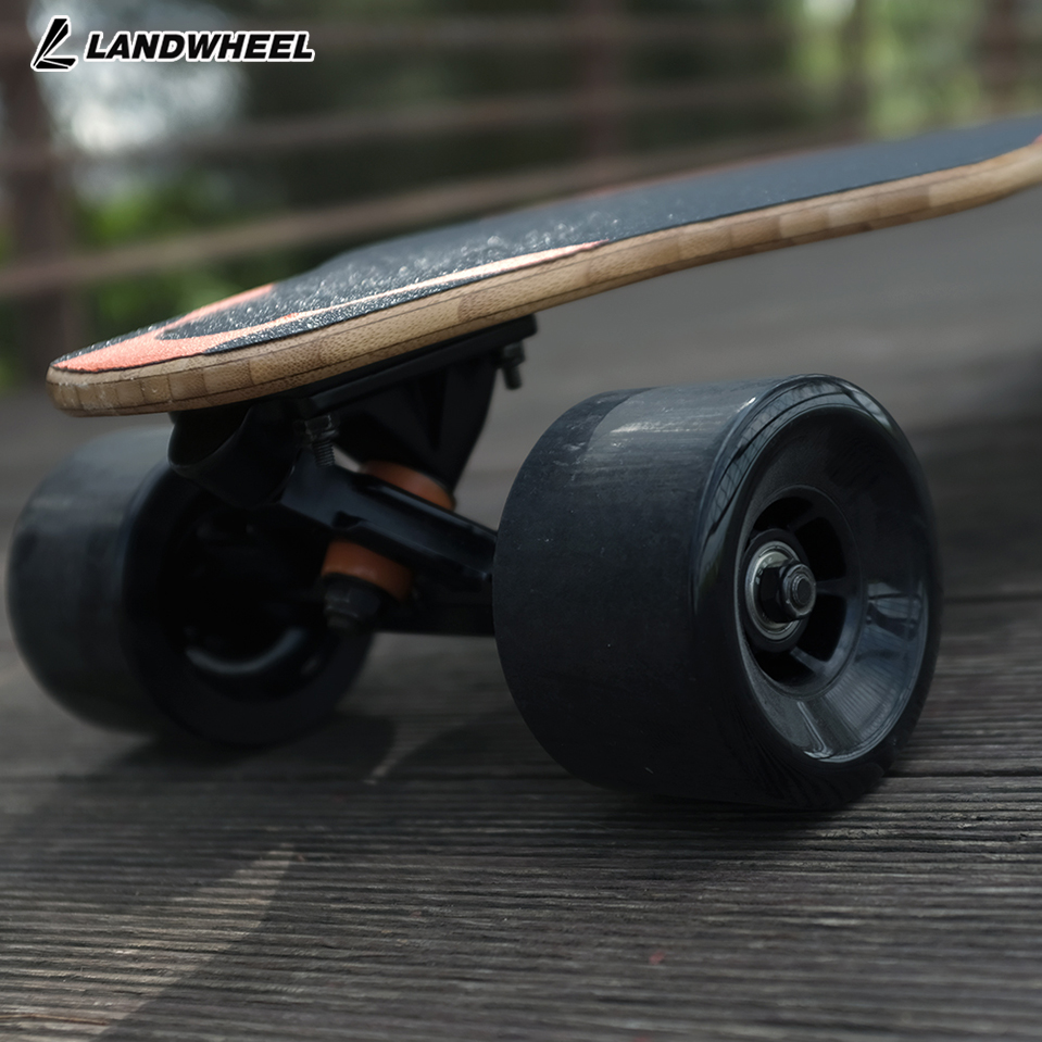 2200W Brushless Motor Electric Skate Board Roller Suitable for Street Surfing