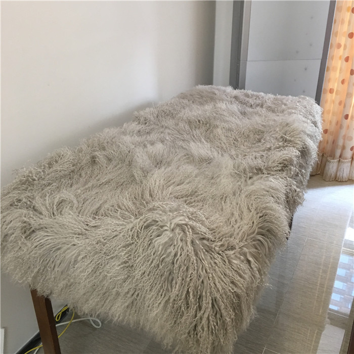 Entertainment Memorabilia Wholesale Curly Long Hair Tibetan Mongolian Sheepskin Fur Rug