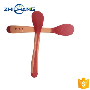 High quality safety top food grade soft flatware baby temperature-sensing feeding infant weaning spoons colour changing spoon