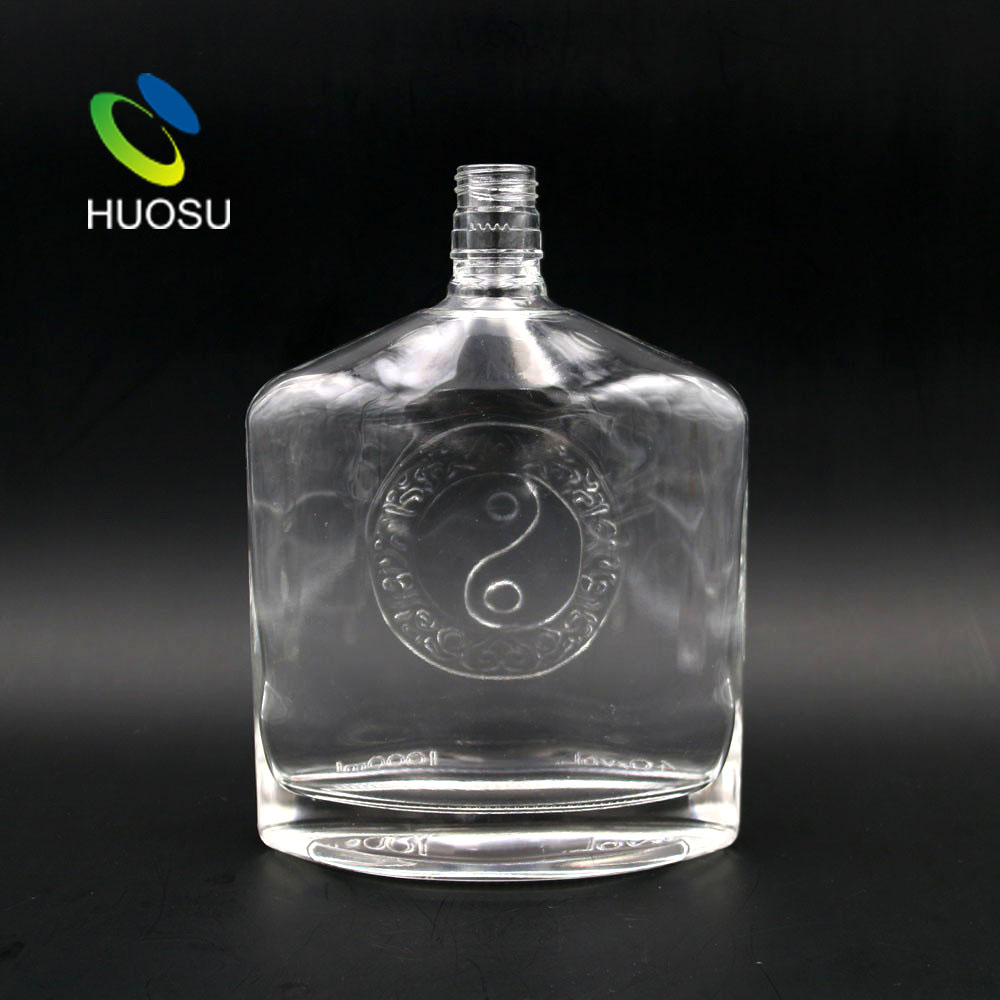 Custom logo print empty 750ml 1l spirit vodka glass flat liquor bottle wholesale prices with top lid