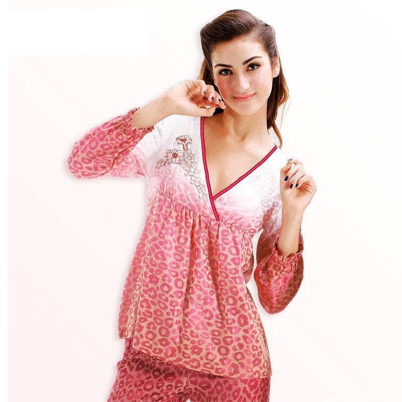 Get Quotations · 2015 New Adult Minion Pajamas Pijamas Mujer Pyjamas Women  Pajamas For Bathrobe V Neck Sleepwear Set 0529f6405