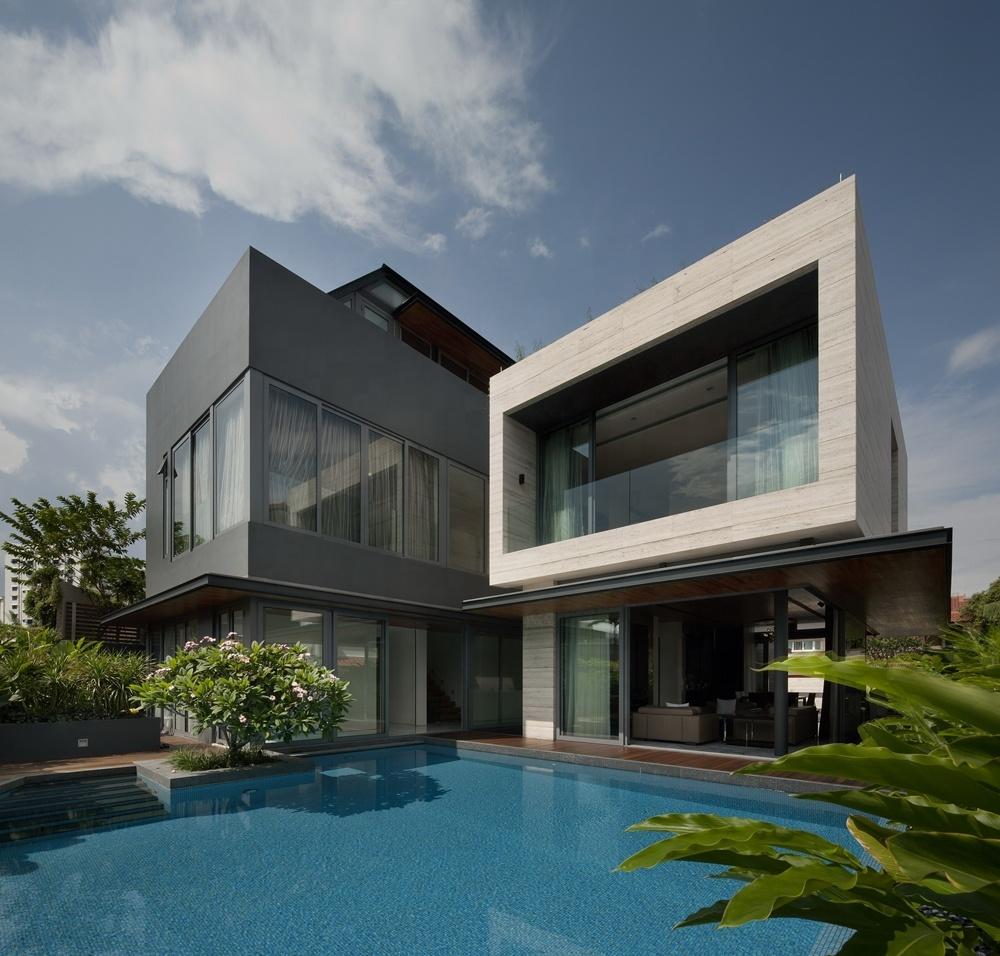 Luxury prefabricated houses villa modern slope roof prefab house design light steel prefab house