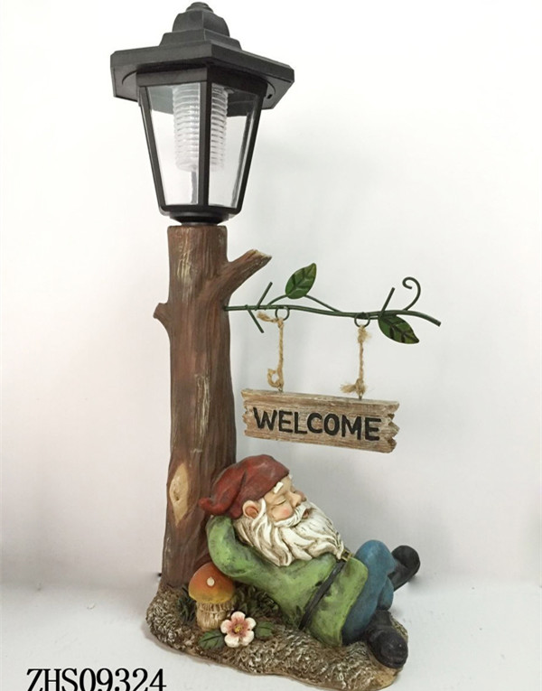 Cheap Wholesale Santa Claus Solar Light Resin Souvenirs