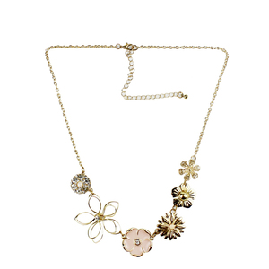 Wholesale Newest Clear Rhinestone Diamond gold Plated Pink daisy flower floral necklace For Women