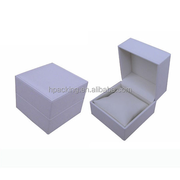 hot sale small single delicate engraved pure white leather watch box with white pu pillow