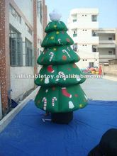Green Attractive inflatable Christmas tree