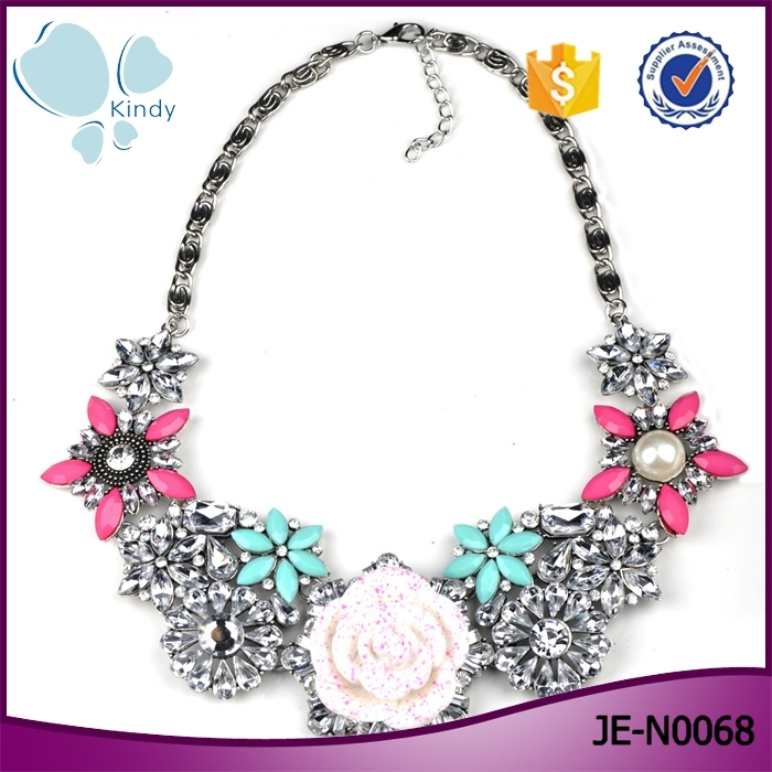 Beautiful women crystal jewelry pave rhinestone romantic rose flower necklace