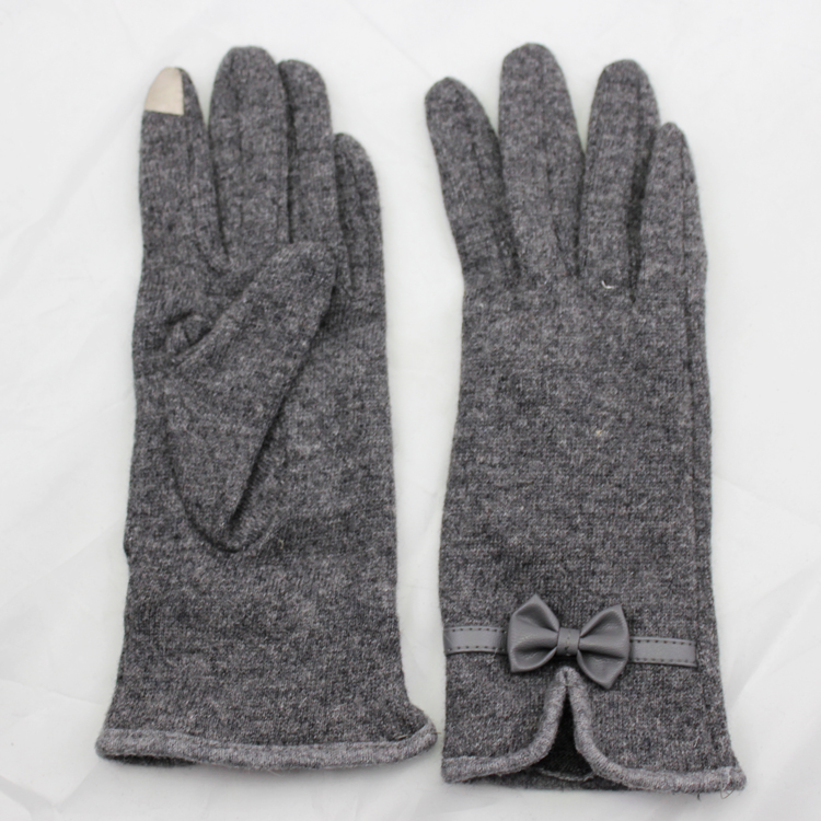 women touch screen woolen gloves with leather bow mouth and hand clasp