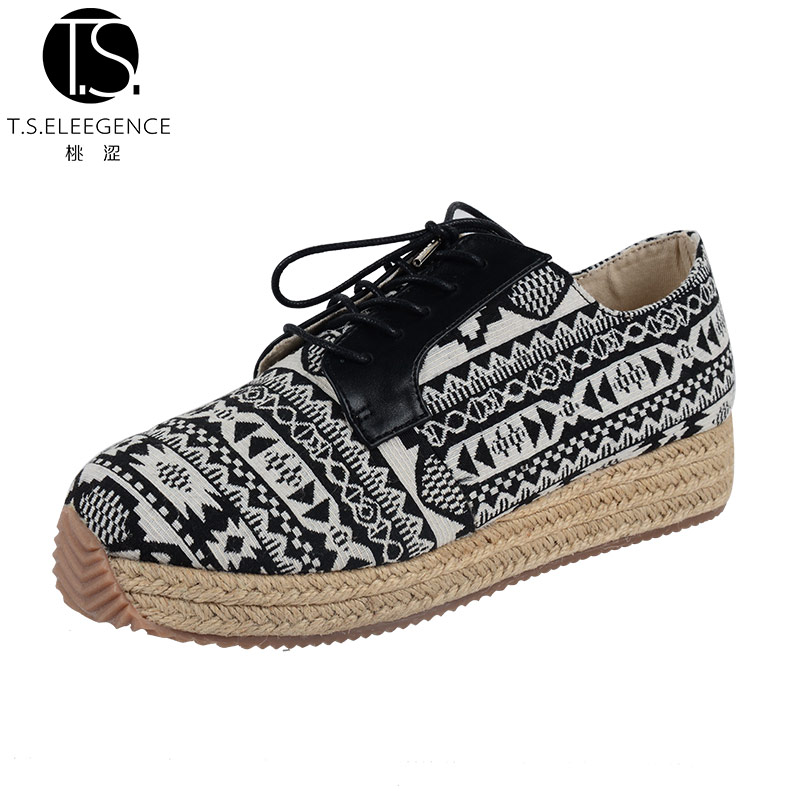 China Wholesale Fashion Women Flat Black Three-dimensional Cotton Fabric Shoes Lace Up Canvas Wenzhou Shoes