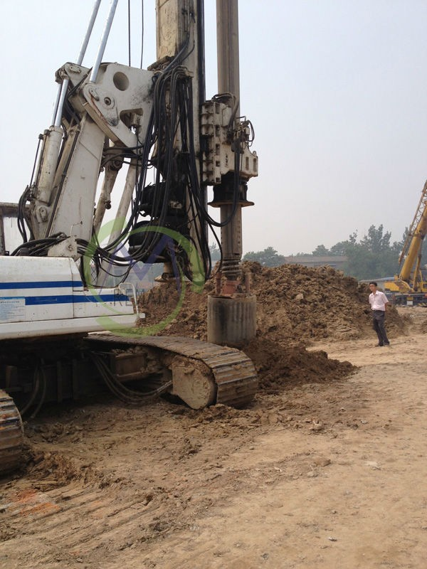 Hydraulic Rotary Piling Rig For Bored Pile Foundation 0.8m