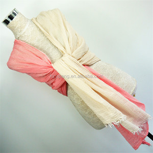 China wholesale 2 splicing color 80x190cm wrinkle plain cotton pleated scarf for women ladies