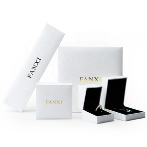 FANXI White Leatherette Paper plastic Gift Box for Necklace Ring Bracelet watch Packing Logo Custom Packaging Jewelry Box