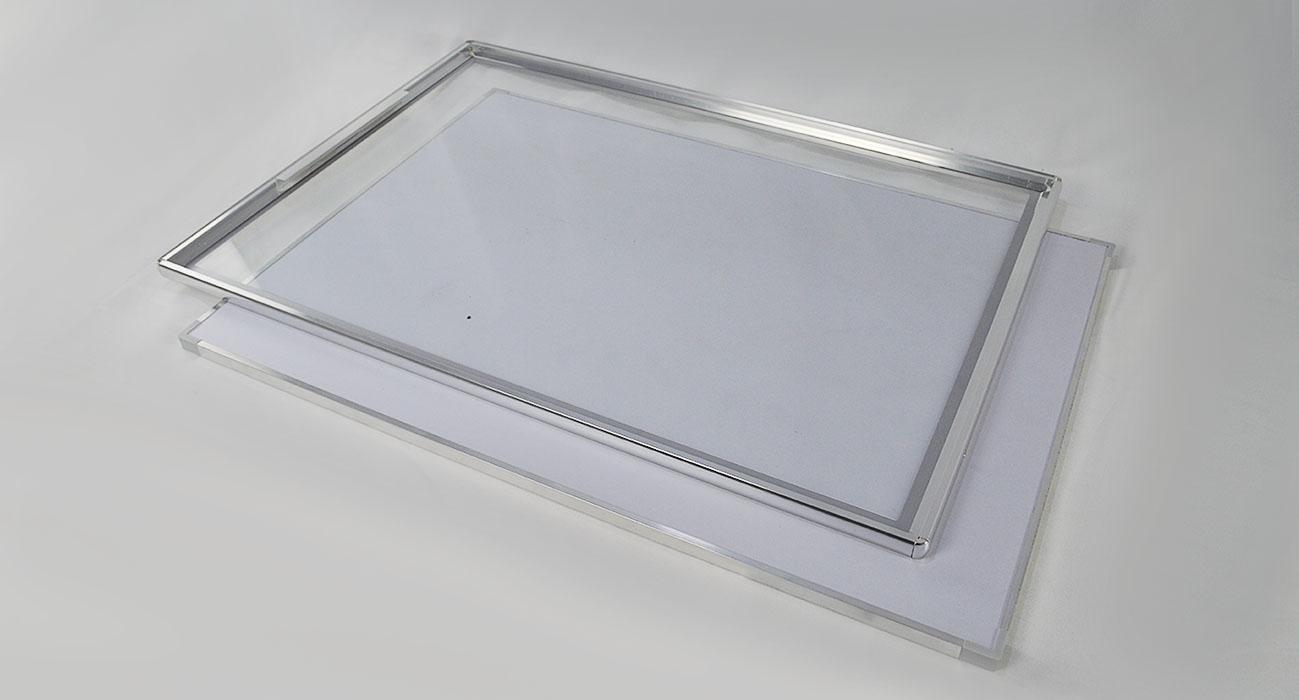 можно постеры стекло в алюминиевой рамке поведение это