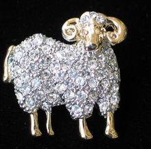 alibaba website zinc alloy gold color crystal lamb goat sheep brooch