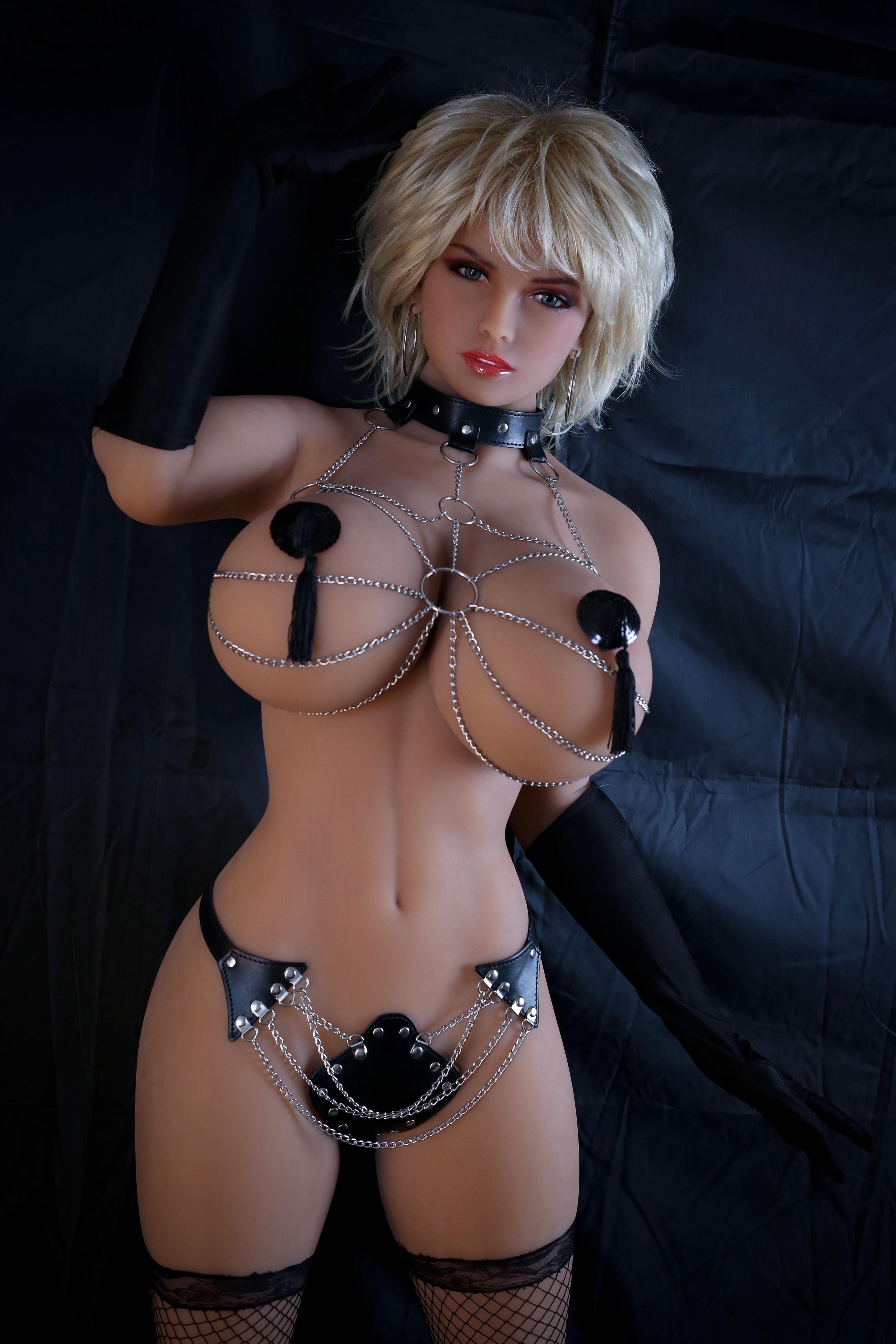 Nikki sexxx veronica rayne glory hole