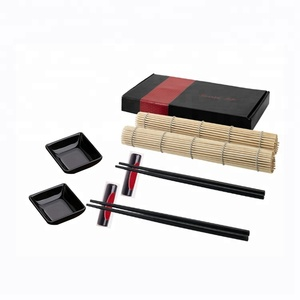 Black and red sushi dinnerware japanese tableware