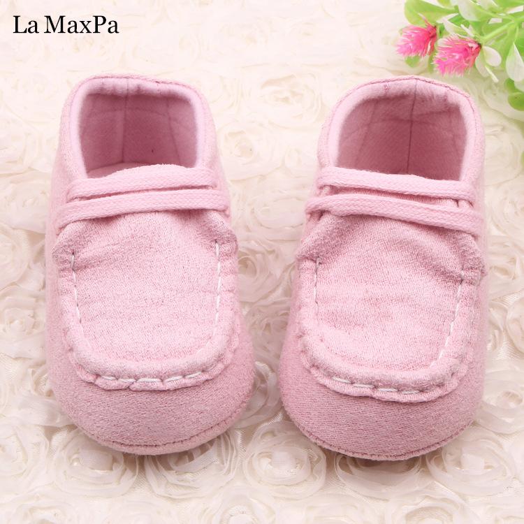Sep 05, · Talla de Zapatos para Bebés por Edad. Aunque durante sus primeros meses de vida, el bebé no necesita ir equipado con zapatos, siempre viene bien tener un par de zapatos con los que lucir sus pequeños pies/5(24).
