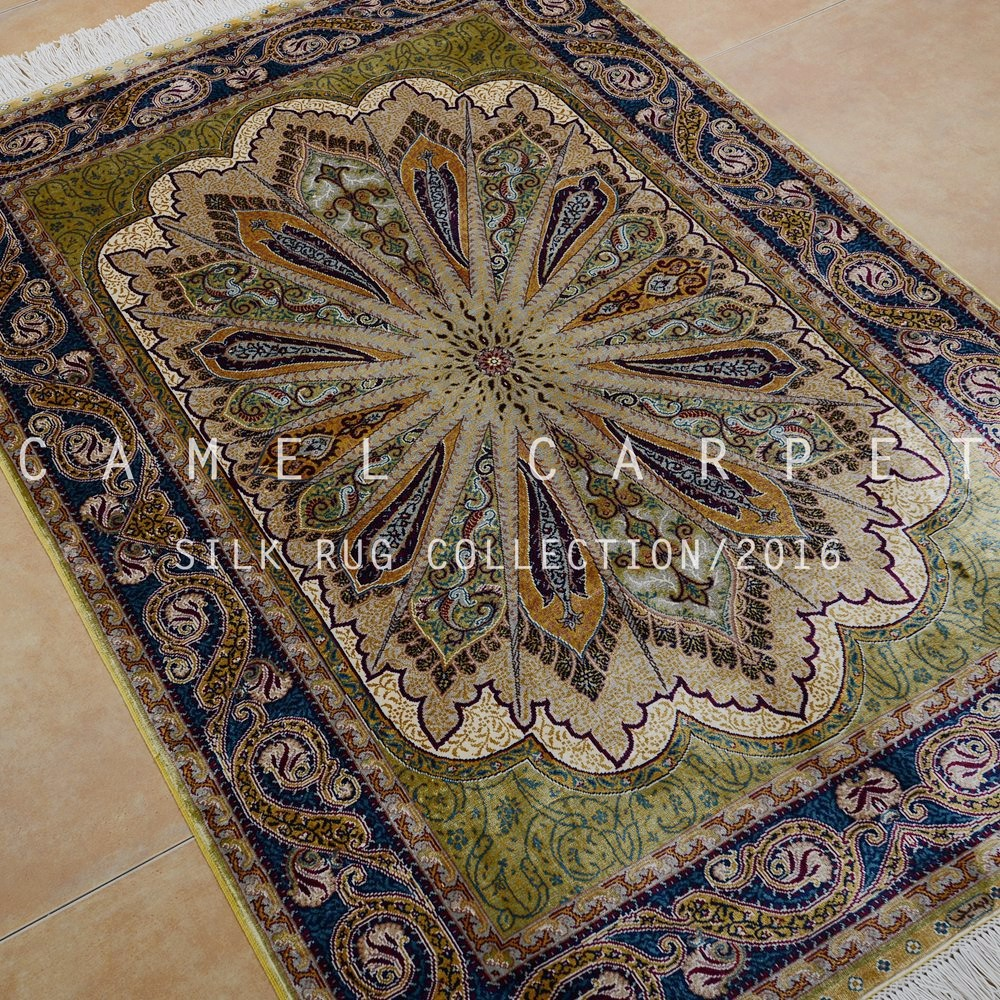 Chinese Rug Dealers: Oriental Gombad Design Rug Persian Silk Carpet Dealers