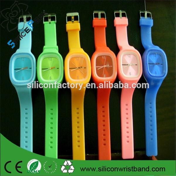c0b5eb62cd3 Estudantes de moda relógios de silicone geléia relógio à prova d   água  praça jelly estudantes