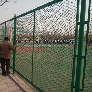 PVC coated Chain Link Fence Green color PVC coated Sport Field Fence