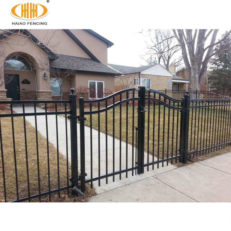 Steel Fence Posts Green Pvc Coated Or Galvanized For Chain Link Fence Installation