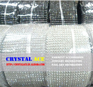 Wholesale white plastic Cup With white Crystal Rhinestone Mesh Trimming