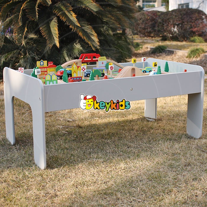 2017 Wholesale kids activity toys wooden train table set new design best children wooden train table set W04C070