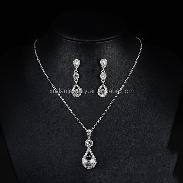 Elegant Crystal Drop Shaped Wedding Jewelry Sets Silver Color Earrings Necklace Sets Bridal