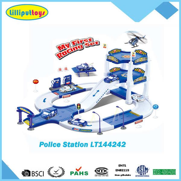 Police station plastic parking lot scene set toys with metal car
