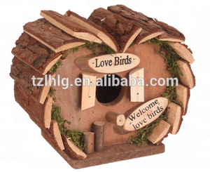 Natural Popular wood bird house/nest/cage box with barf roof lovely heart shape