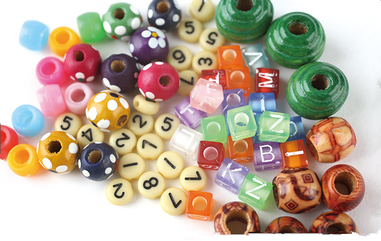 Wholesale White Colored Jewely Making Wood Alphabet Beads