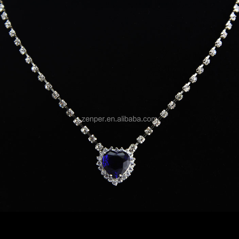 b8c8d23e59941 Fake Blue Diamond Heart Shape Crystal Necklace - Buy Copper Neckalce,Women  Neckalce,Chain Necklace Product on Alibaba.com