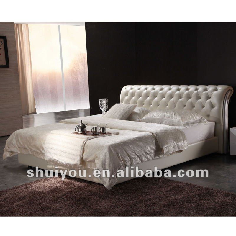 s moderna cama de cuero doble con cristal