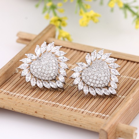 European and American fashion white zircon stone earrings with Big earrings in the shape of heart
