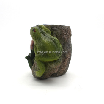 OEM action figure resin custom design brush pot resin figure