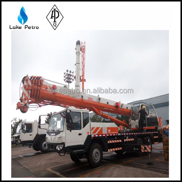 HIGH PERFORMANCE 30 TON HYDRAULIC CRANE