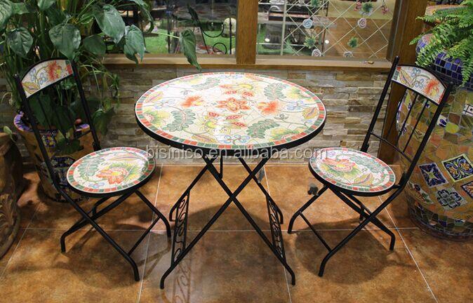 Tavolo In Ferro Battuto Per Esterno : Tavolo da giardino in ferro battuto e sedie mosaico di ceramica