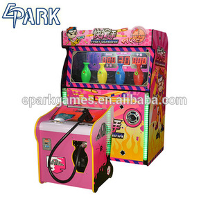 Coin operated spurts fire of guns shooting lottery machine fast gunman shooting target game machine